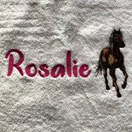 Badlaken met paard en naam badtextiel, handdoek, handdoek met naam, handdoek met paard, naam