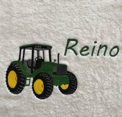 Handdoek tractor en naam badtextiel, handdoek, handdoek met naam, handdoek met tractor, john deere, naam