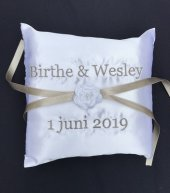 Ringkussen namen en trouwdatum bruidskussen, met naam en datum, ringkussen, trouwkussens