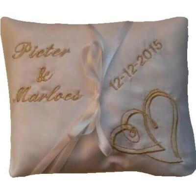 Ringkussen hart bruidskussen, met naam en datum, ringkussen, trouwkussens